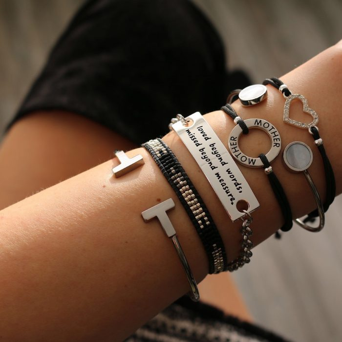Quote armband loved beyond words moeder armbandje