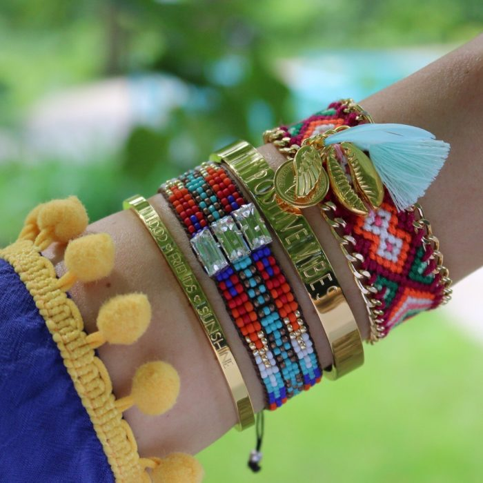 zomer armbandjes gouden schelp met veer en muntje