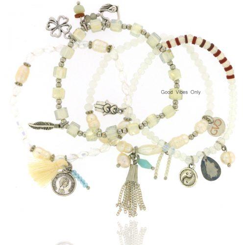 Good Vibes Only Bracelet Set Winter Delights