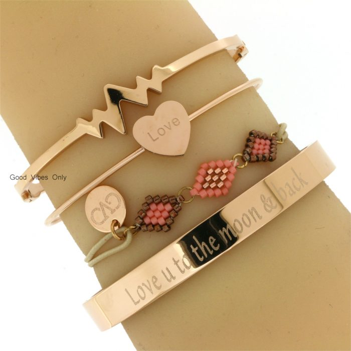 eigen tekst armband quote love you to the moon and back staal rose goud
