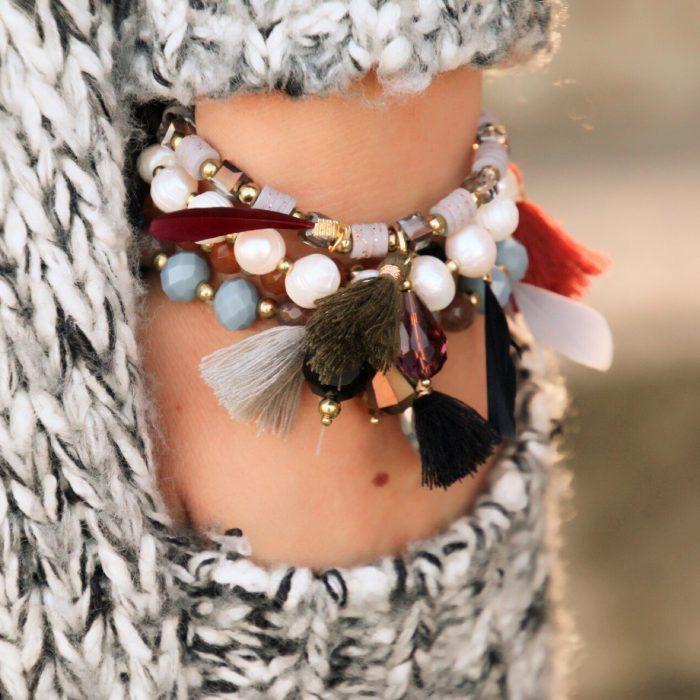 kralen-armbanden-set-zwarte-kwastje-grijze-veer