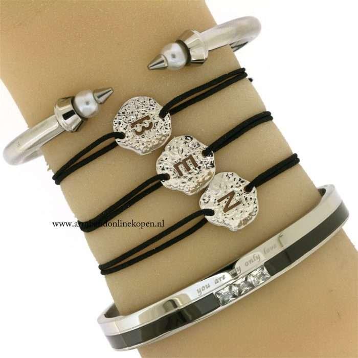initialen-armbandjes