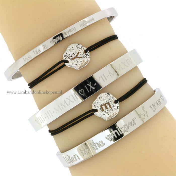 armband letter initiaal zilver schelpje zwart elastiek