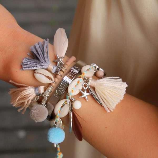 ibiza armbanden met schelpjes nude en beige tinten