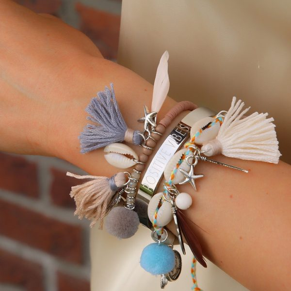 ibiza armbandjes met schelpjes nude en beige tinten