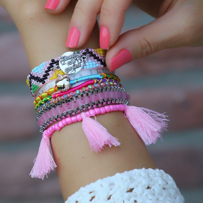 ibiza armbanden pastel tinten en spaanse quote tekstplaatje