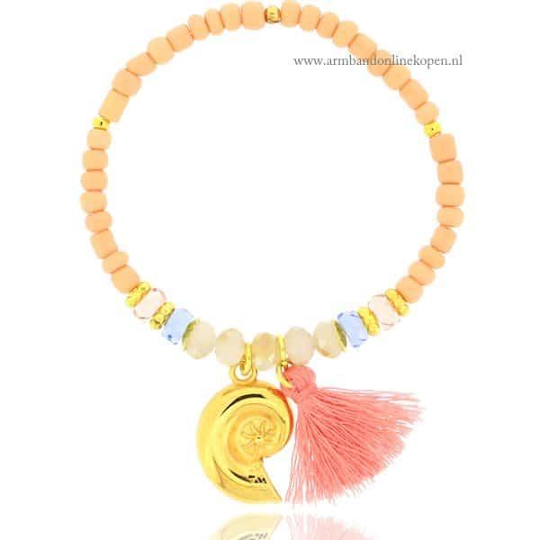 Ibiza Kralen Armband met goud schelpje en boho details