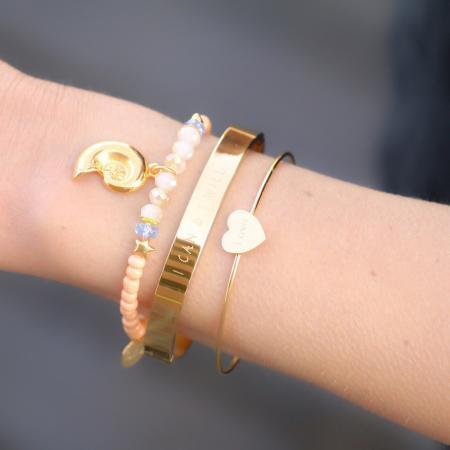 armbandjes met schelp goud en kraaltjes