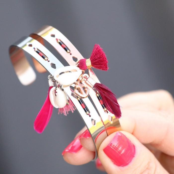 ibiza armbanden staal met schelpen kwastjes en veren