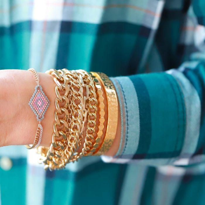 hippe armbandje met kraaltjes grijs roze