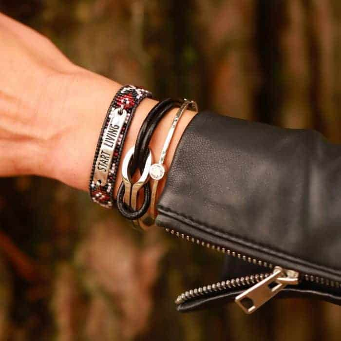 leer armband quote start living