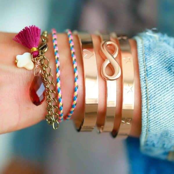 wrap armband met vlindertje en kwastje bedels