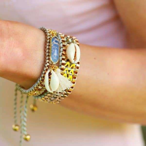 schelpen armbanden grijs goud