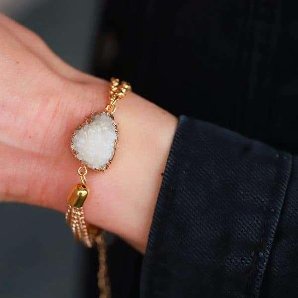 natuursteen steen armband goud witte steen