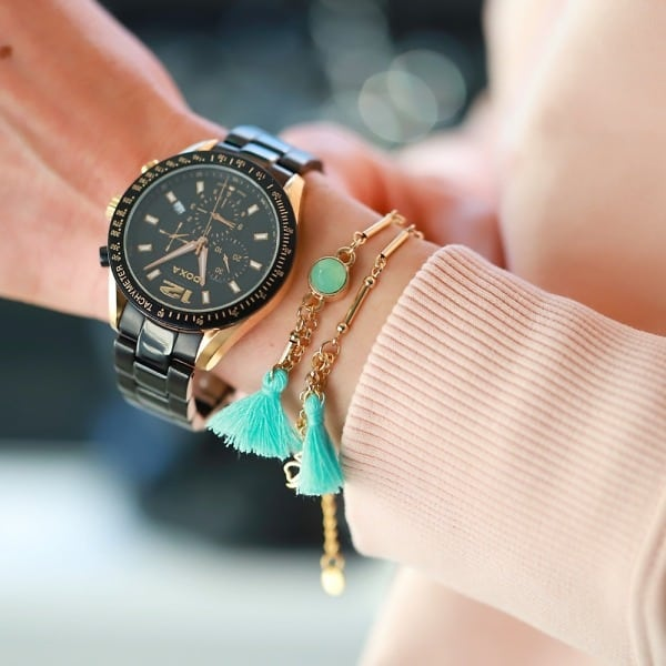 fijne boho armbandjes met kwastjes goud aquamarijn